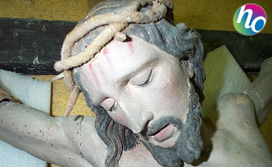 Hygiene Office désinsectisation d'une statue en bois attaquée par des insectes xylophages