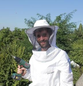 Fixation des ruches sur la plateforme créée par Bepox