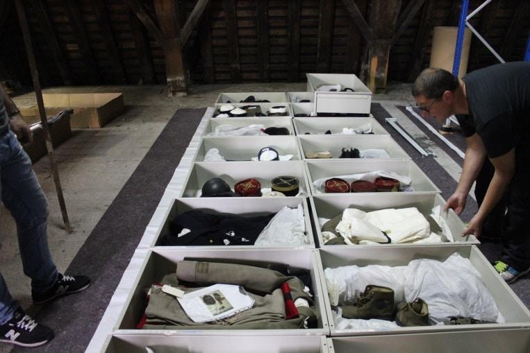 anoxie costumes de l'armée pour le Musée du Val de Grâce