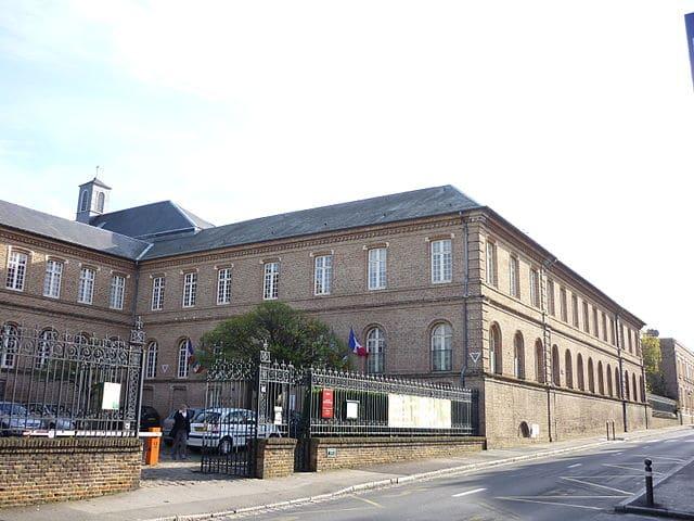 Dératisation et désinsectisation du couvent d'Amiens